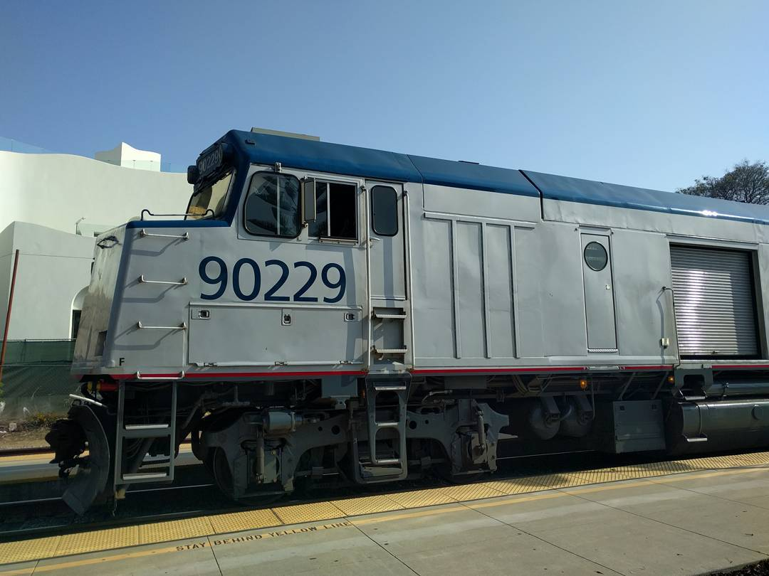 [pacific_surfliner_cabbage_car.jpg]